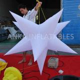 結婚式の装飾のための膨脹可能な星をハングさせる広東省の製造業者LEDの照明