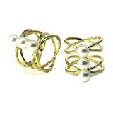 Form-Schmucksache-Ring-Golddiamant-Edelstein-schellen Kristallfrauen-Mann-Eingriff CZ Zolleinfach Shine weißen Sterlingsilber-Hochzeits-Ring-Perlen-Ring CZ-925