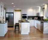 Hoher glatter Farbanstrich-Küche-Schrank statischer Ableiter