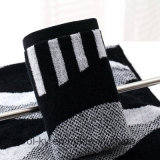 100%年の綿の糸染められたカラー手タオル