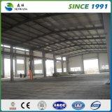 Fabbrica della tettoia della struttura d'acciaio con i comitati del tetto dell'isolamento