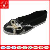 Ботинки холстины женщин плоские вскользь с Bowknot шнурка