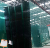 すりガラスの空によって和らげられる浮遊物の建物のペンキの絵画ガラス
