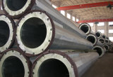 電気送電線電流を通された鋼鉄管タワー