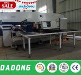 Dadong CNC-doppelte Servolocher-Presse/lochende Maschine für Verkauf