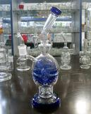Tubulações de água de vidro da forma azul do crânio que fumam com cor diferente