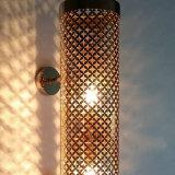 Bestellte Edelstahl-Laser-Schnitt-Vereinbarung-weißglühende Wand-Lampe voraus