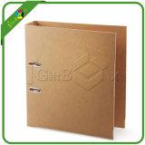 Steife Packpapier-Pappring-Mappe mit Metallöse auf dem Dorn