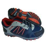靴をハイキングする方法人のスポーツ