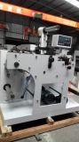 Cortando e máquina de corte com os dois eixos do intercâmbio