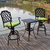 Jardín popular del diseño que cena los bistros de la fundición de aluminio fijados con la silla rotativa
