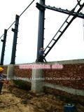 De Installatie van de Structuur van het staal voor het Verwarmen en Macht op Bouwwerf