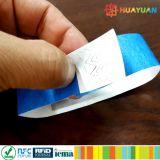 처분할 수 있는 합성 서류상 표 13.56MHz NTAG213 축제 TYVEK RFID 팔찌