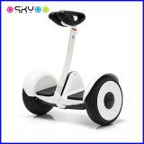 Uno mismo elegante de dos ruedas de Xiaomi Minirobot que balancea la vespa eléctrica de la movilidad