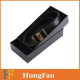 Cadre de papier de empaquetage de cadeau de luxe noir de modèle avec le logo de estampage chaud