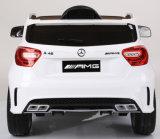 O Benz A45 de Mercedes licenciou o passeio no brinquedo do carro para miúdos