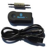 As mãos livram o jogo audio do receptor do carro de Bluetooth