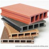 Le plancher de Decking de WPC pour l'usage extérieur d'ISO9001 a qualifié