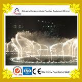 Fonte mágica da música da água da dança com as lâmpadas subaquáticas do diodo emissor de luz