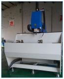 CNC que processa o centro para os perfis de alumínio