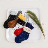 Populär für Kleid-Socke Babys der kühlen Form nette Baumwoll