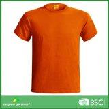 A forma do verão da fonte do mercado internacional personaliza o t-shirt