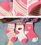 분홍색 귀여운 Patton 사탕 색깔 복장 홈 아기 양말