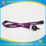 PVC suave Keychain plástico del estilo caliente de encargo del fabricante con la insignia (XF-KC-P02)