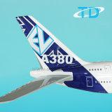 Aeroplano grande del color de la casa del modelo A380 Airbus de la visualización