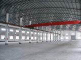 Estructura de acero del marco porta/taller del edificio