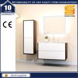 Melamin-stellte weiße Lack MDF-Badezimmer-Eitelkeit mit LED-Spiegel ein