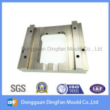 OEM高く精密な機械化CNCの機械化の部品はのための型を接続する