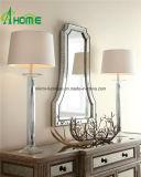 Espejo moderno de lujo de forma irregular del cuarto de baño