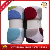 単一の暖かい珊瑚の羊毛のペット毛布