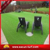 Dekorativer synthetischer Gras-Rasen für den Garten, der Gras-Rasen-Teppich-Gras landschaftlich verschönert