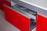 光沢度の高いラッカー終わりを用いる中国の台所家具