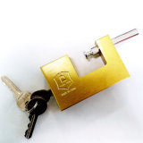 Imitar o cadeado retangular de bronze com chave lisa e chave de computador