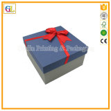 Rectángulo de regalo rígido grabado aduana de la cartulina de la insignia con la tapa