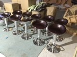 Cadeira de alumínio retro do tamborete de barra