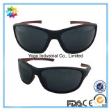 Le volleyball de plage polarisé par marque célèbre folâtre des lunettes de soleil