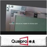 El panel de acceso de aluminio anodizado con la tarjeta de yeso AP7730