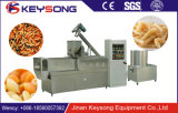 Alimento automático cheio da massa do macarrão que faz a máquina