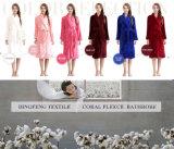 2015 Professional Sleep Expert Lover de color sólido de coral de paño grueso y suave Albornoz Df-8875