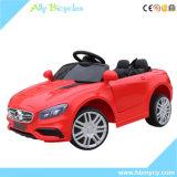 Das crianças de controle remoto Four-Wheeled do carro do balanço do brinquedo carros elétricos