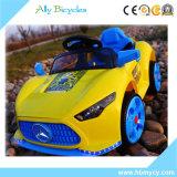 Doppi capretti dell'azionamento Guidare-sull'automobile elettrica dei giocattoli dei bambini di RC