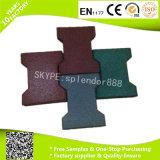 Pavimentadora de goma con los altos azulejos de goma de la protección del medio ambiente para el caballo de la dimensión de una variable del hueso de perro
