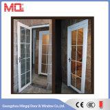 Portello esterno con la finestra di apertura
