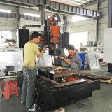 Centro fazendo à máquina da gravura do CNC
