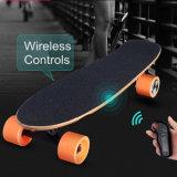 Het in het groot Zelf In evenwicht brengen Hoverboard die Opgevoerd Elektrisch Skateboard bevinden zich