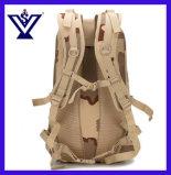El morral táctico militar del camuflaje lleva a hombros el conjunto que el ocio al aire libre empaqueta (SYSG-1846)